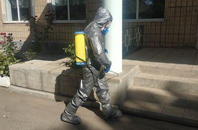 В Еланце спасатели проводят дезинфекцию в местах массового пребывания людей
