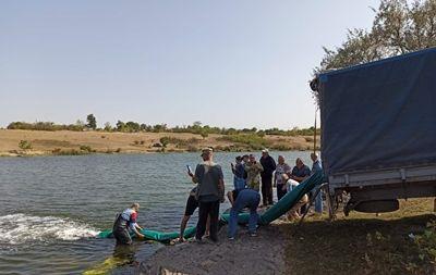 В Еланецкое водохранилище вселили рыбный молодняк (Фото)
