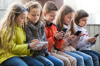 Кабмин рекомендует с 15 октября школам начать каникулы, а ВУЗам перейти на дистанционную форму обучения