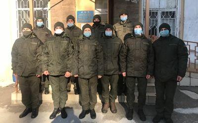 Николаевские гвардейцы сдали кровь для лечения матери своего сослуживца