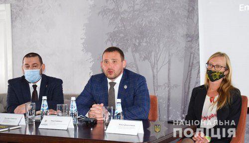 Миколаївські поліцейські під час семінару вдосконалюють навики у розслідуванні платіжного шахрайства