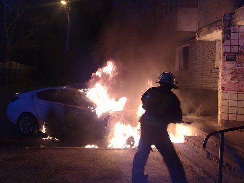 В Николаеве за сутки сгорело два автомобиля (Фото)