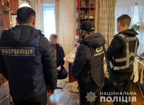 Аферисты перевыпускали сим-карты украинцев и снимали деньги с их счетов