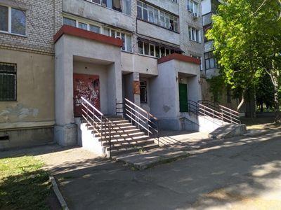 В Николаеве жители многоэтажки заявили, что новый арендатор помещения бывшего Ленинского суда, затеял опасную реконструкцию (Фото)