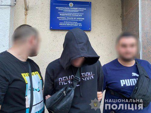 В Николаеве полицейские задержали мошенника, который выманил у пожилой женщины 9 тыс. грн «на лечение ее родственницы»